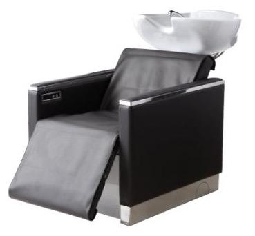 Waschanlage mit elektrischem Beinheber und Rollenmassage