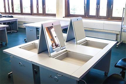Handwerkskammer in Mannheim mit multifunktionalen Schüler- und Arbeitstischen