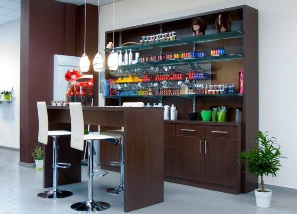 beleuchtung im friseursalon mit dem richtigen konzept zum erfolg bertz news. Black Bedroom Furniture Sets. Home Design Ideas